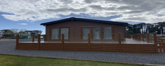 NEW Pemberton Rivendale Lodge