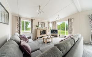 2020 Victory Beechwood Lodge Lounge