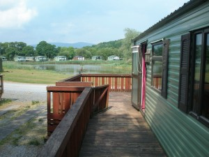 74LM-Willerby-countrystyle-decking