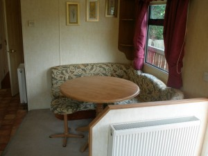 74LM-Willerby-countrystyle-dining