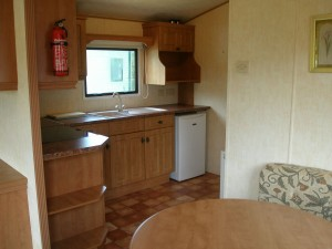 74LM-Willerby-countrystyle-kitchen