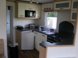 Carnanby-Melrose-71LM-kitchenarea