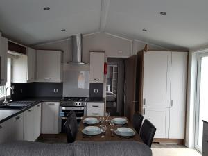 Willerby-Sheraton-lodge-kitchen